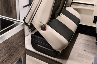 Columbus 600 D Folding Rear Seats